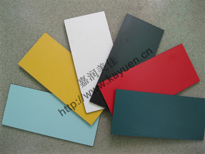 抗倍特板是由装饰色纸含浸三聚氰胺树脂